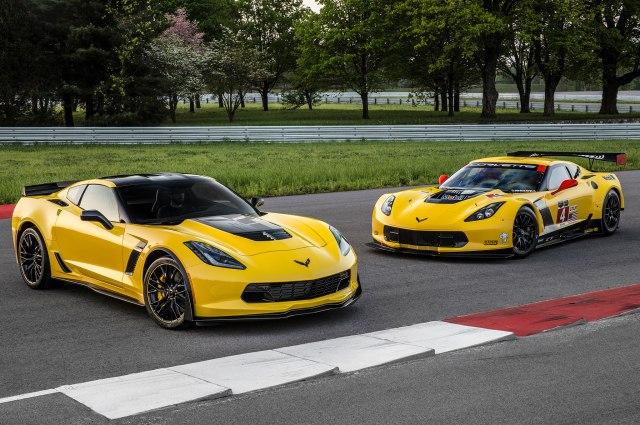 Chevrolet-corvette-z06-c7r-edition-with-racing-car-2